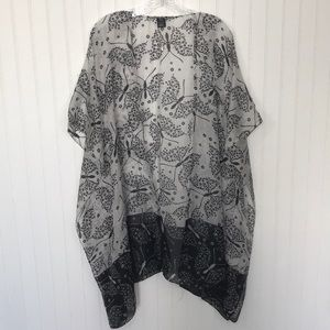 Other - 100% Silk Black & White Butterfly Kimono 曆